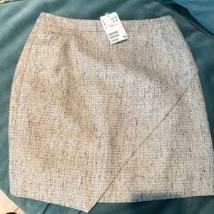 H&M skirt.   Size 6.   NWT